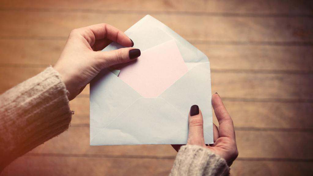 """Разбирая вещи на бабушкином чердаке, нашла конверт с письмом. Оно """"ждало"""" меня"""