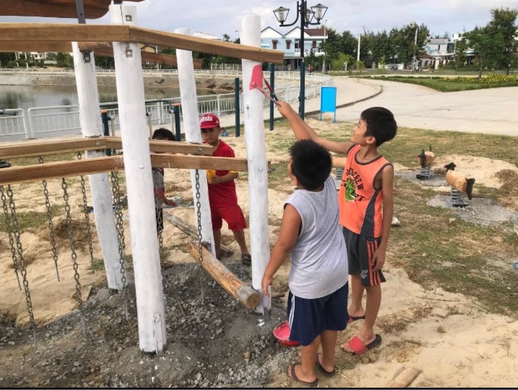Необычный дизайн детских площадок: необязательно звать профессионалов, обустроить пространство для игр могут и сами жители вместе с детьми