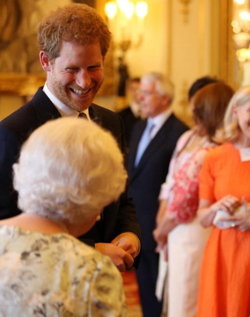 Принцу Гарри исполнилось 36 лет: королевская семья поздравила его снимком, на котором отсутствует Меган Маркл