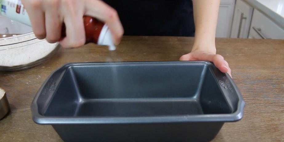 Приготовление ленивого хлеба из пахты за час: порадуйте своих близких вкусной домашней выпечкой