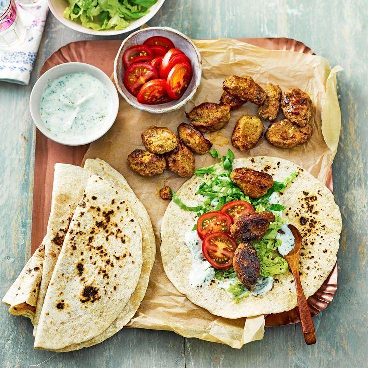 Индийские специи и прохладный кокосовый соус: рецепт рыбных шариков, которые готовятся за 25 минут