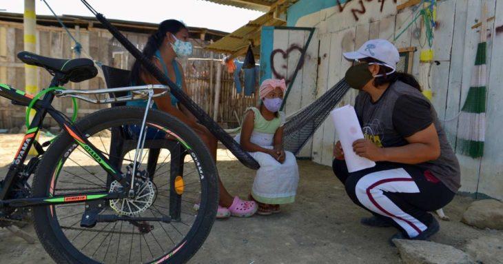 Учительница из Эквадора каждый день ездит на велосипеде, чтобы преподавать для тех, у кого нет Интернета