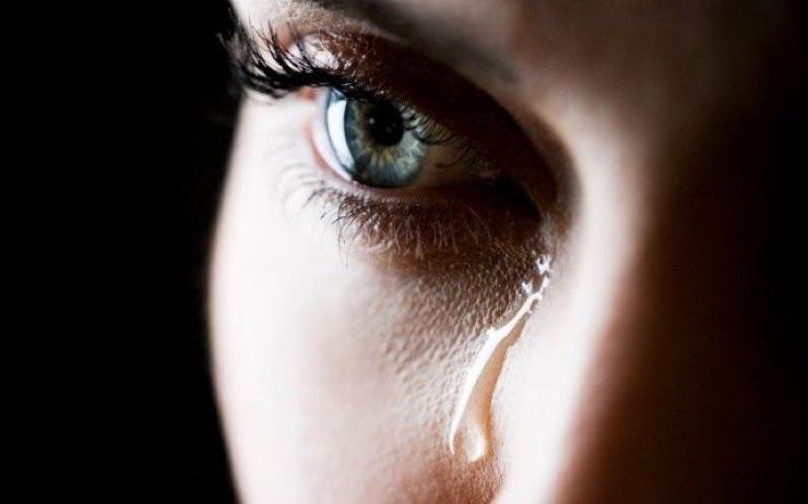 Нет ничего страшного или необычного в том, чтобы просыпаться ночью в слезах: толкование