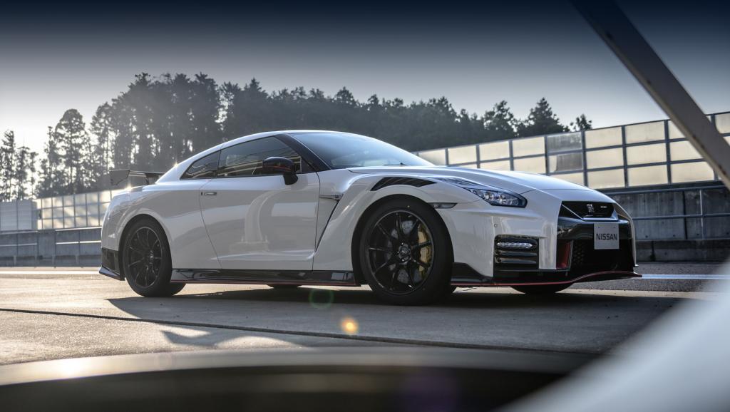 Их выпустят всего 20: Nissan разрабатывает лимитированную 710-сильную версию GT-R R35
