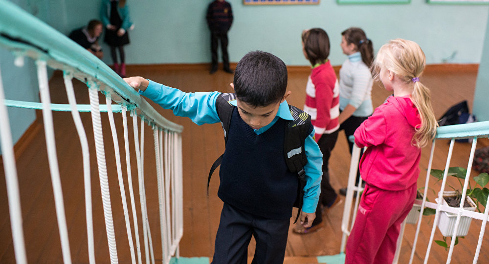 Пора знать родителям: законы, которые нарушают учителя, а мы считаем это нормой