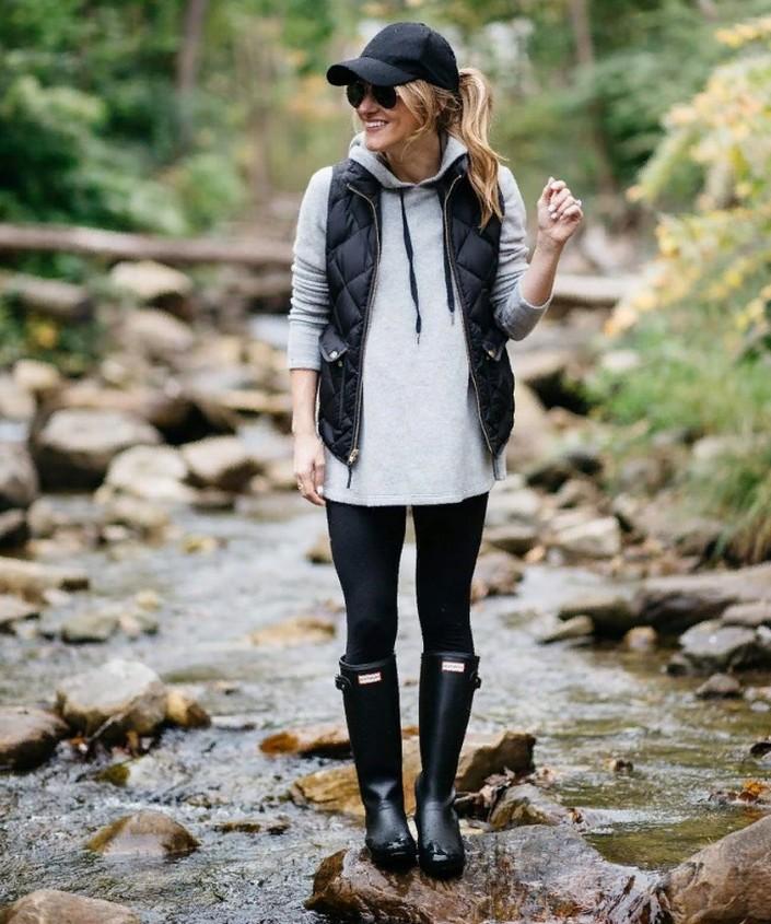Модные тенденции на осень-2020: как приспособить толстовку к разным стилям