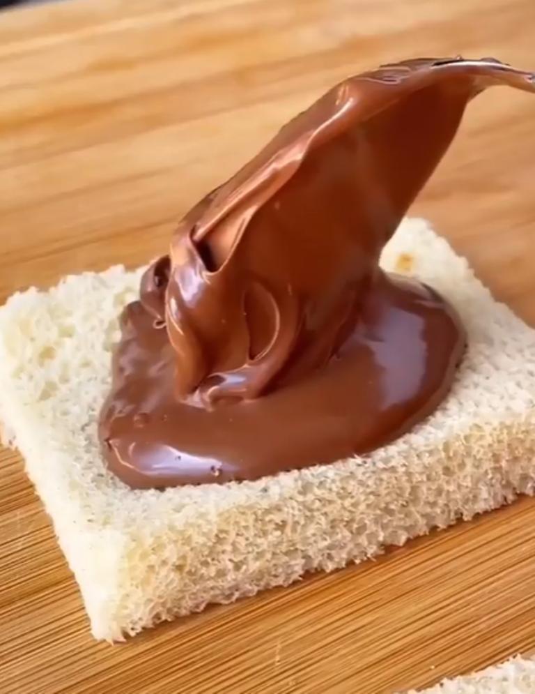 """Назвала свои пирожки """"Шоколадная матрешка"""" из-за многослойности: хлеб – один из ингредиентов для начинки"""