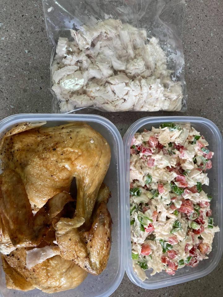 """""""Курицы хватает на неделю"""": австралийка рассказала, как экономно кормить семью"""