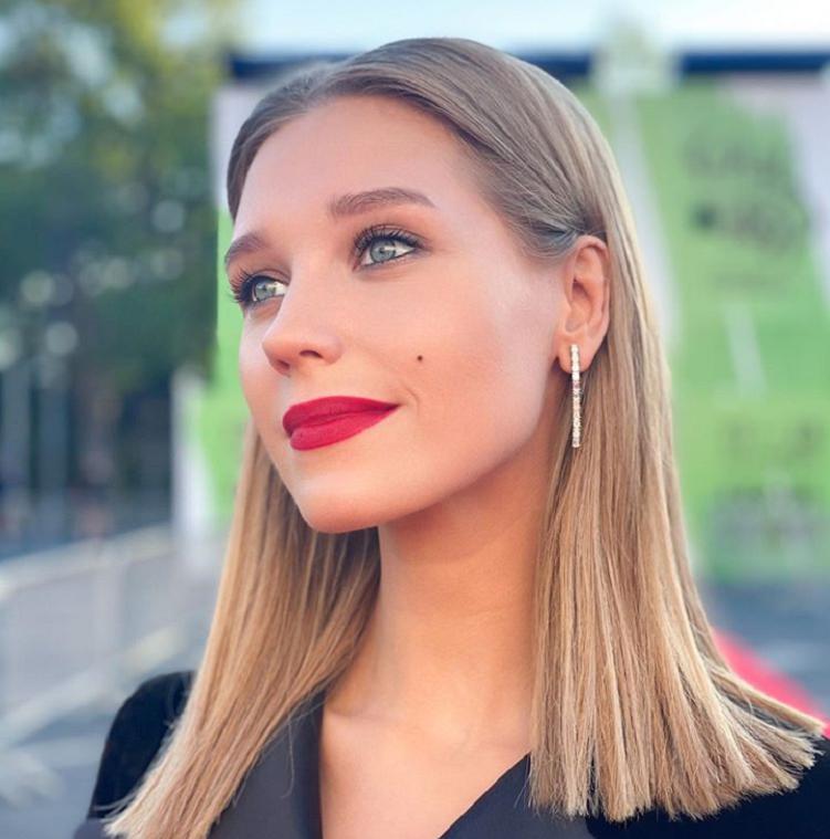 Кристина Асмус рассказала, что проходит интенсивное лечение: у актрисы пропал голос от переутомления