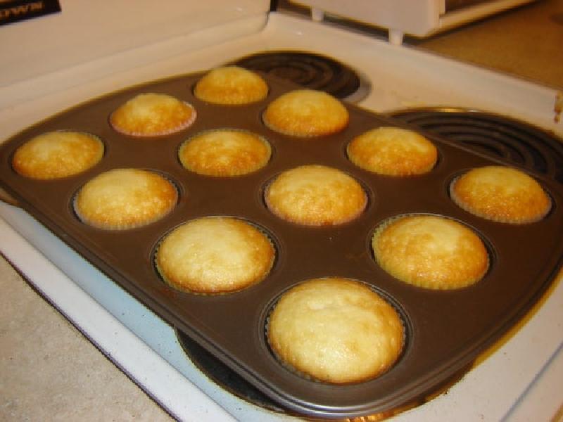 Осень – идеальное время для тыквенной выпечки: готовим кексы с начинкой из тыквенного пирога