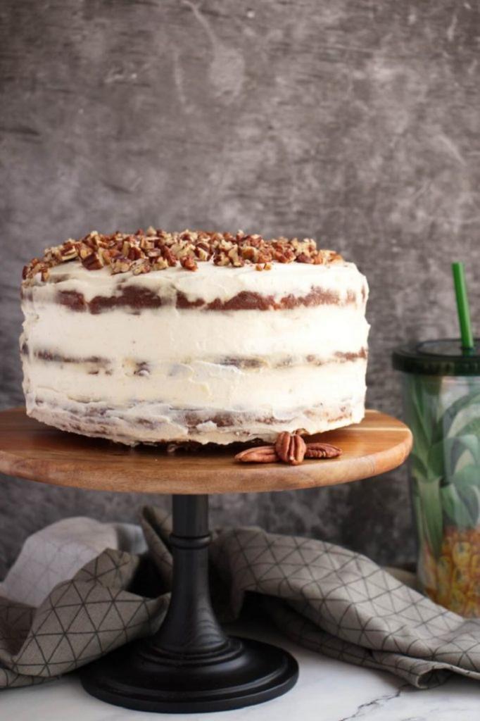 """Вот уже не первый год готовлю на праздники торт с """"тропической изюминкой"""" из трех коржей: пропитывается за полчаса"""