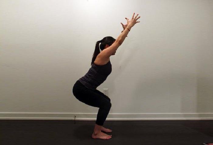 Те, кто ложатся поздно спать, красивее не становятся: помочь могут 3 волшебные позы из йоги