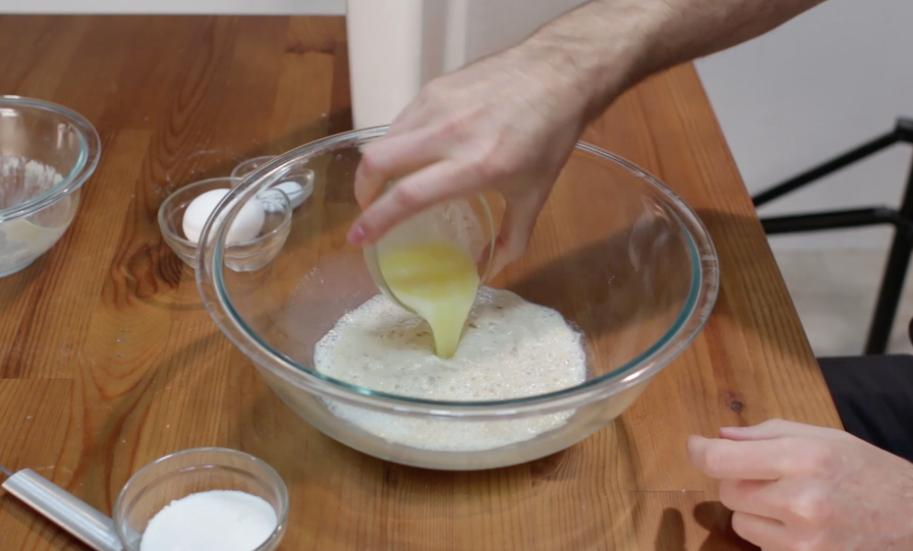 Вместо синнабонов готовлю круглую булочку-косичку с корицей: аромат потрясающий, а на вкус – просто сказка