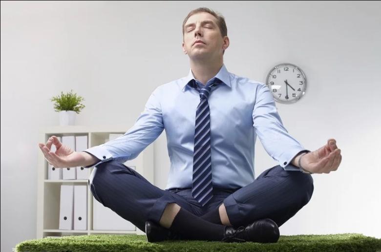 """""""Разумный"""", """"уравновешенный"""", """"деятельный"""": профессиональный психолог Келли Макгонигал называет три типа стресса и предлагает пути преодоления для каждого"""