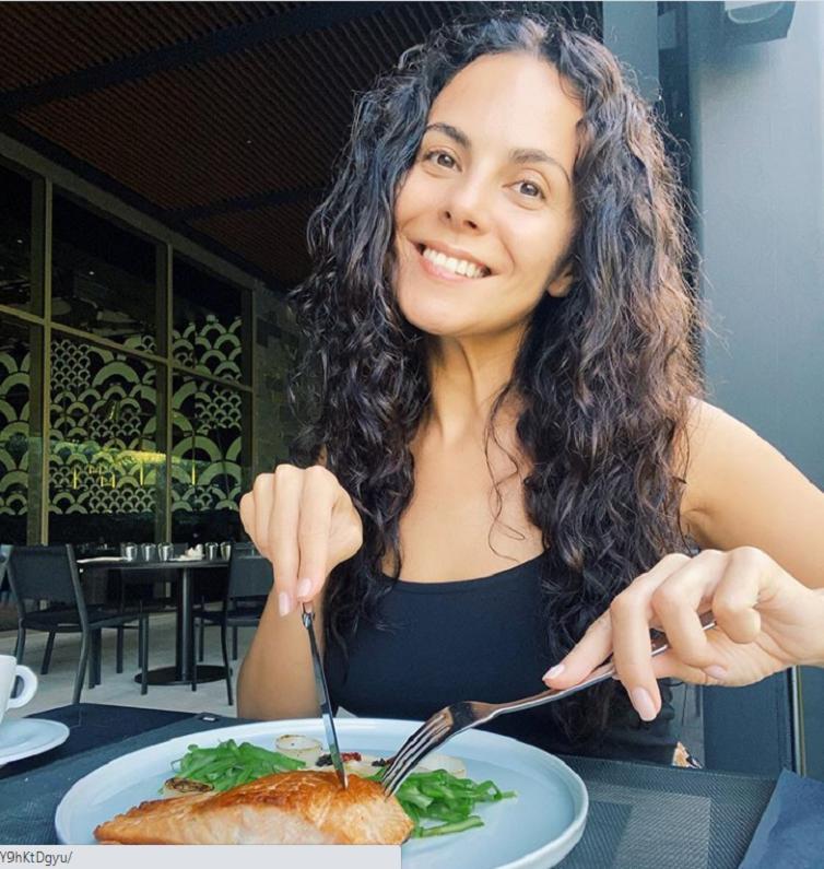 Секреты, помогающие не переедать: Настя Каменских рассказала, каких правил придерживается в питании