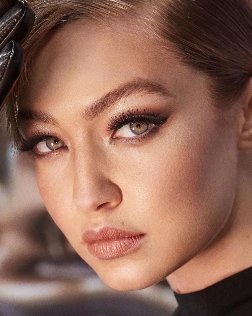 Звездные красавицы, замораживающие лицо: секреты ухода Нади Сысоевой, Кейт Мосс и других