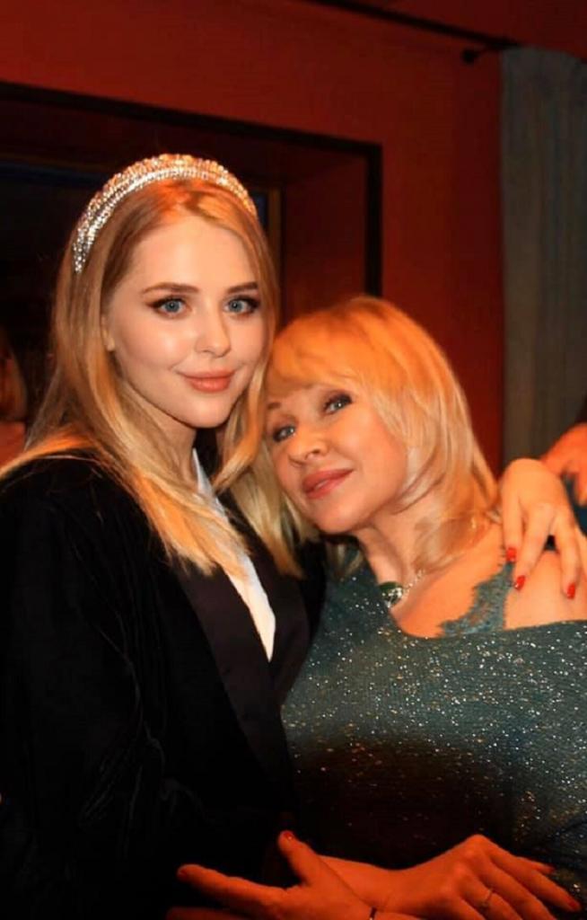 Позднее счастье. Ирина Грибулина родила долгожданную дочь в 43 года: как сейчас выглядит девушка (фото)