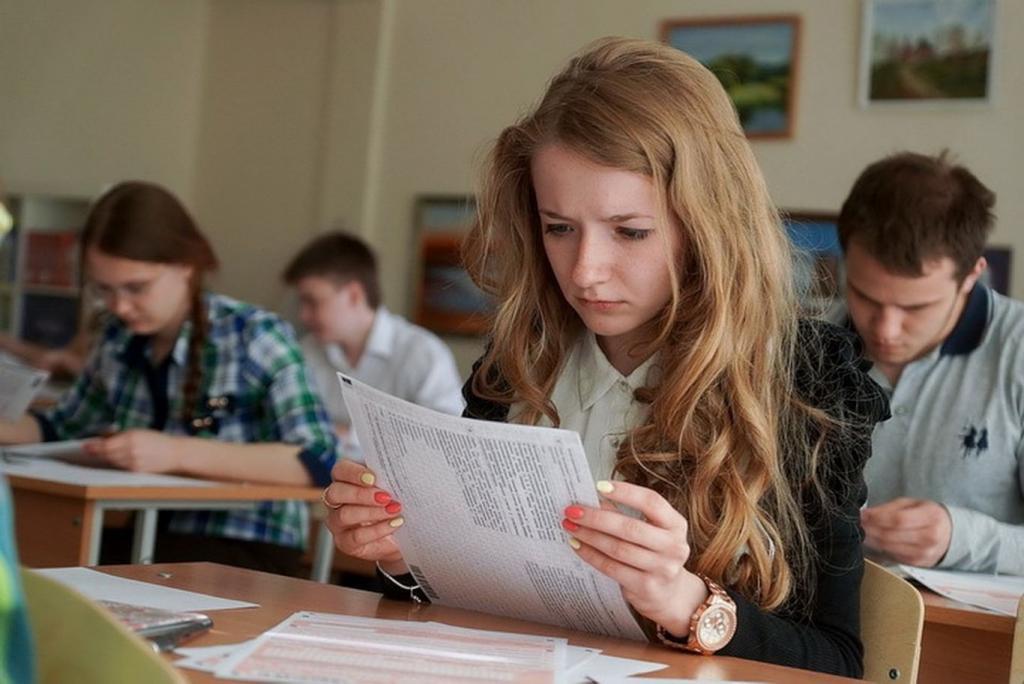 Оказывается, ЕГЭ можно сдать досрочно в 10-м классе (не все предметы): эксперты по образованию советуют готовиться к тесту заранее