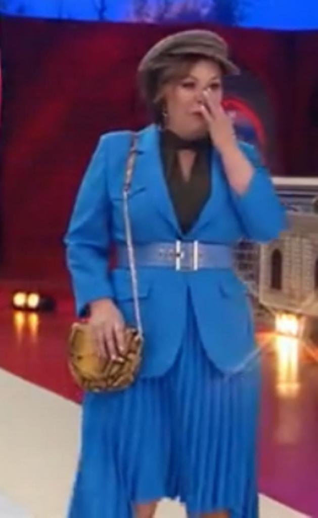 """На """"Модном приговоре"""" у участницы в одном из образов была популярная сегодня модель юбки. Эвелина Хромченко сказала, что она добавляет всем женщинам возраст"""