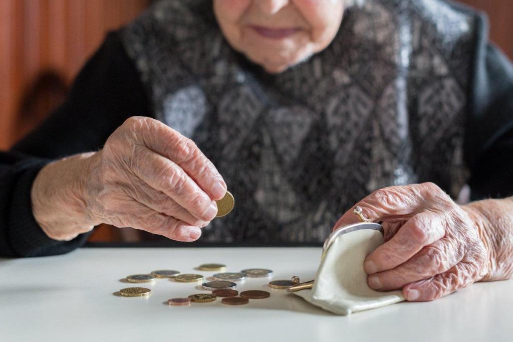 Все силы и средства вложила в детей: теперь Мария на пенсии и не может выпросить у них ни копейки на свое содержание