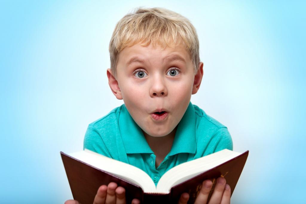 Есть только один способ привить ребенку любовь к чтению, уверены писатели и многодетные родители Джелани Мемори и Мария Колосова