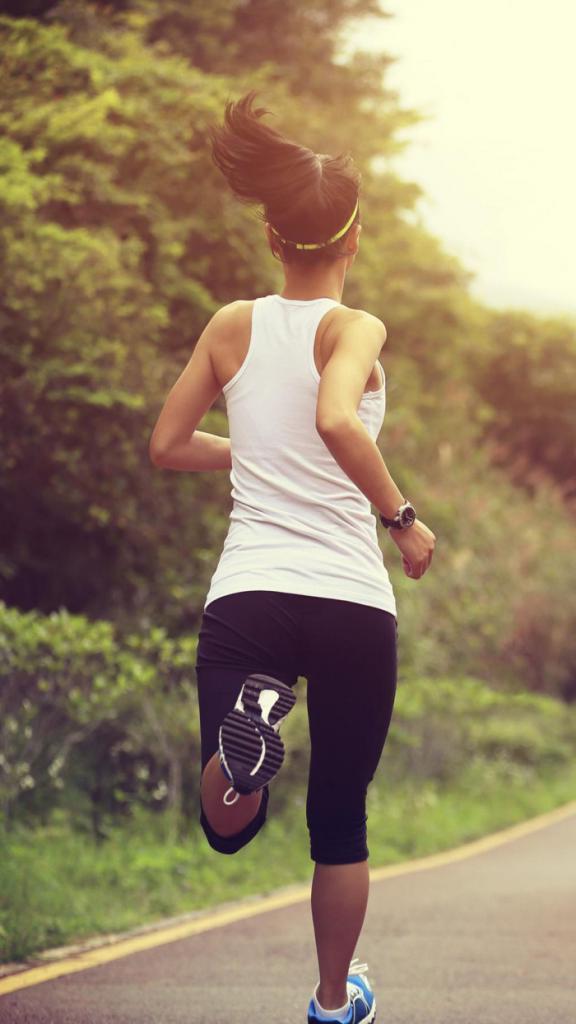 Травматолог Михаил Вихтар рассказал, кому не стоит заниматься бегом