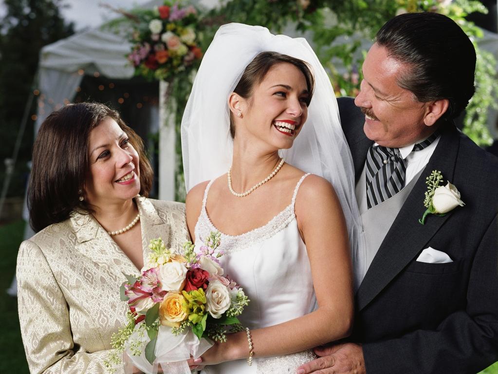 Родители предлагают «бесплатный» дом в качестве свадебного подарка, но с одним условием: невеста обратилась в Сеть за советом