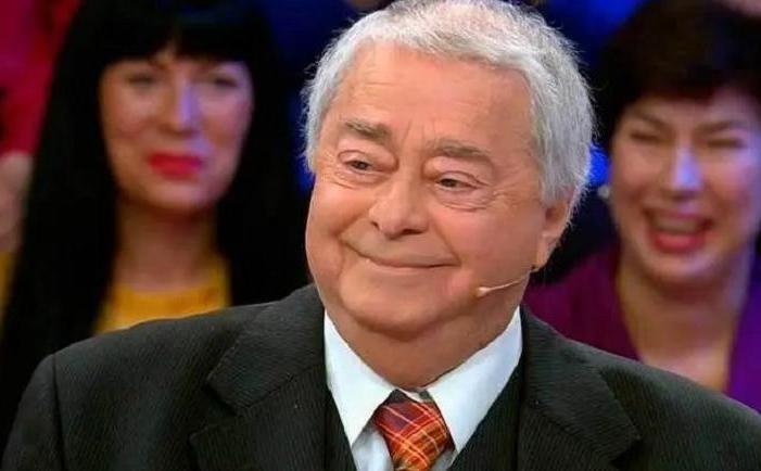 Роман Карцев запомнился нам седовласым импозантным мужчиной: как он выглядел в молодости (фото)