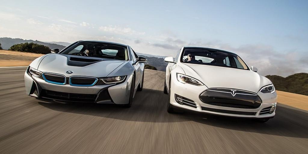 Жених просит друзей одолжить машину на свадьбу, но он отказывается от BMW и Tesla, потому что они дешевые
