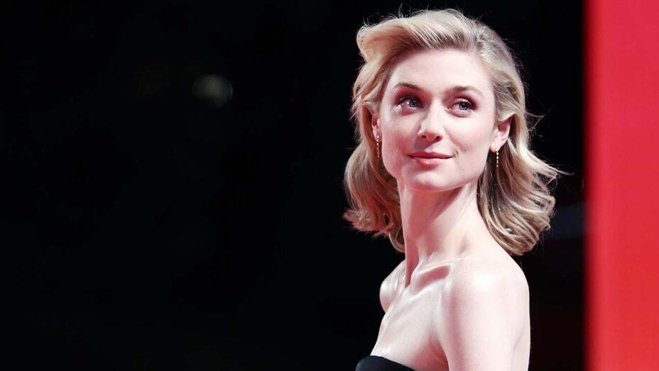 Актриса Элизабет Дебики, сыгравшая в нашумевшем фильме «Довод», рассказала о «вибрации» на съемочной площадке и о том, почему зрители считают ее героиню «девушкой в беде»