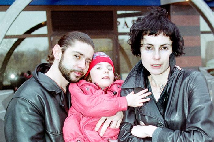 """Дочь Апексимовой и Николаева превратилась в """"Снегурочку"""". Поклонники заметили, как сильно Дарья стала похожа на маму (фото)"""