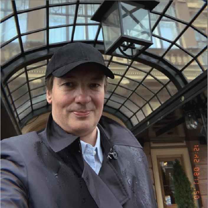 Приемный сын Ролана Быкова - известный человек: как он выглядит (фото)