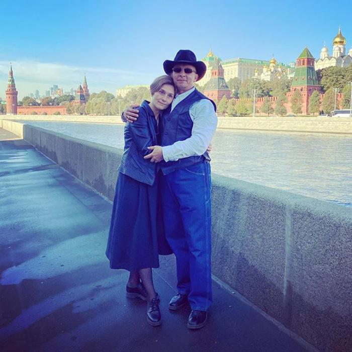 """""""25 лет. От звонка до звонка"""": Иван Охлобыстин с супругой отметили годовщину свадьбы"""