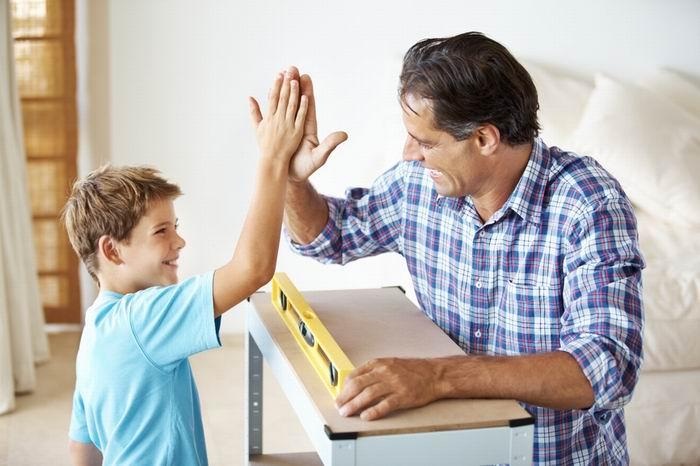 Чтобы вырастить сына хорошим мужчиной нельзя допускать некоторых ошибок