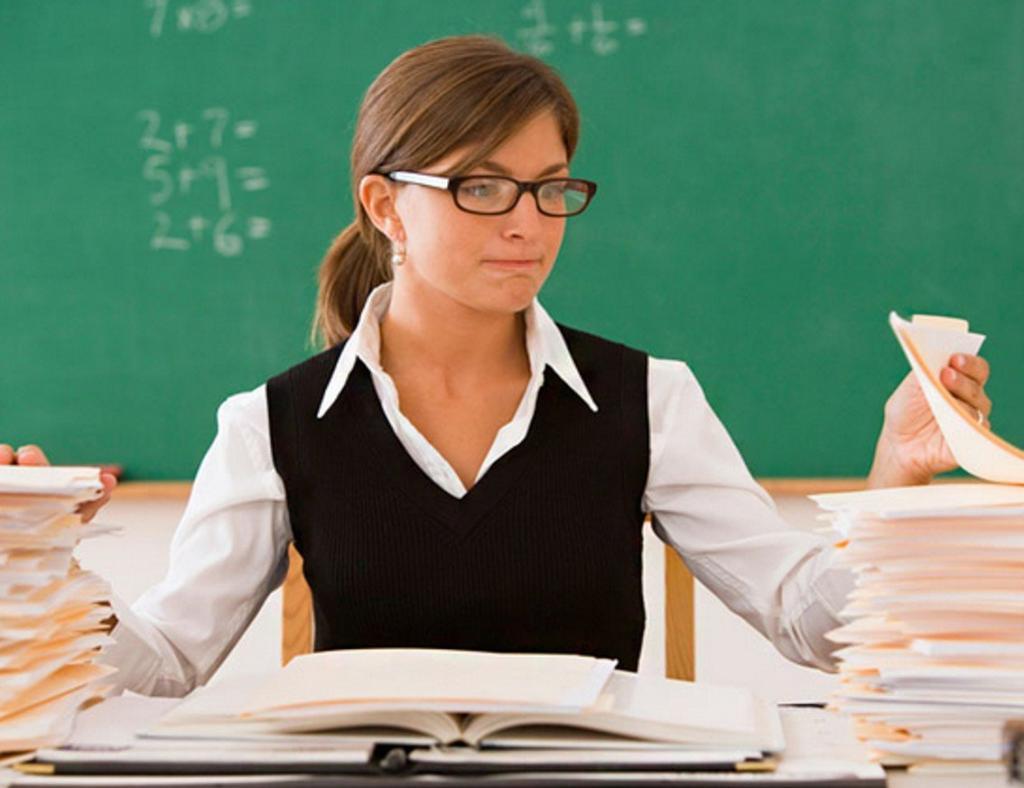 Молодые преподаватели: в Москве хотят заменить учителей в школах студентами