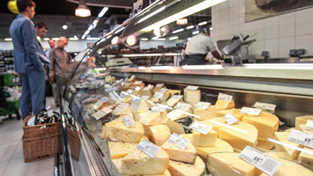 На втором месте плавленый: россияне назвали любимые сорта сыра