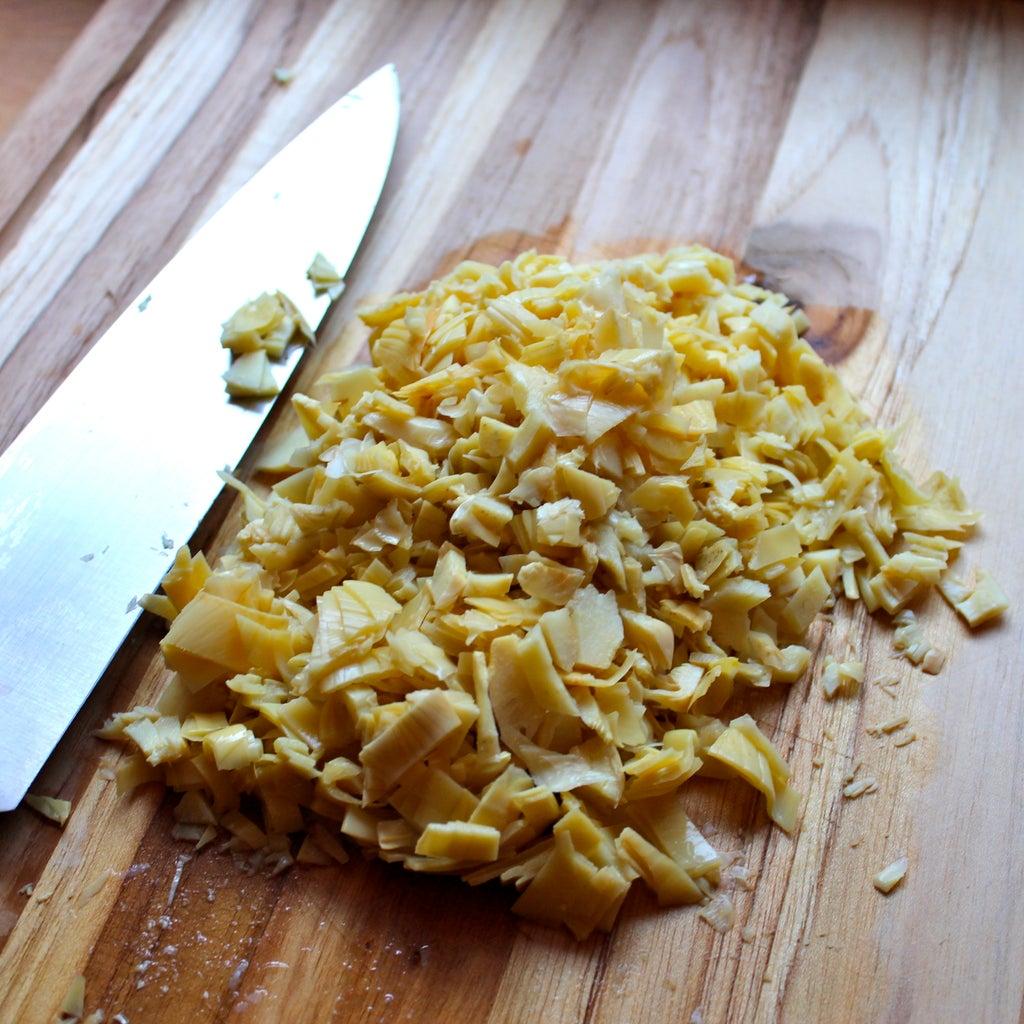 Нежная намазка из шпината и артишоков: ставлю на стол, высыпаю крекеры – сытная закуска готова