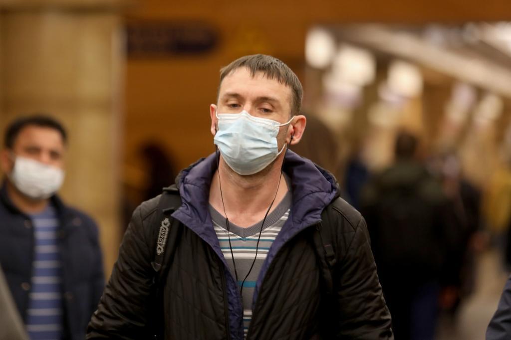 """""""Для вашей и моей безопасности было бы намного лучше надеть маску"""": как вежливо попросить человека надеть маску"""