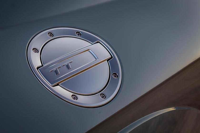 Глянцевая черная отделка: новой Audi TT 45 TFSI добавили пакет S Line Competition Plus