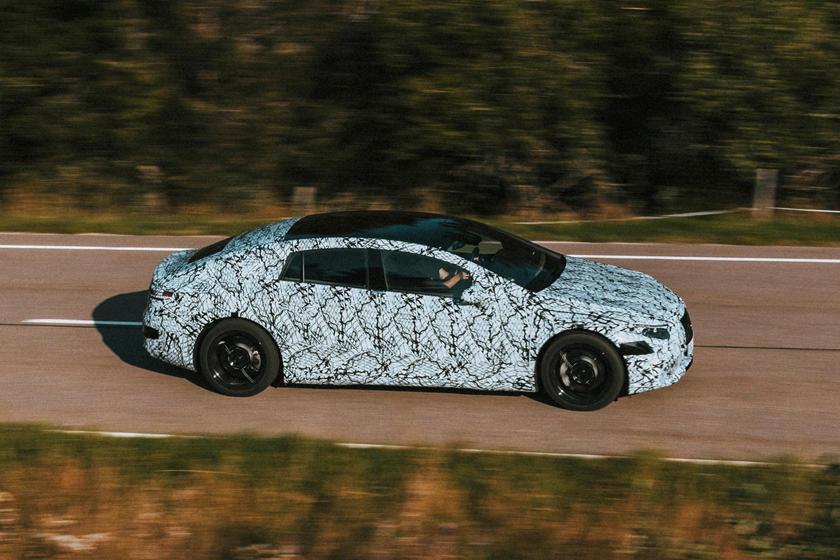 Продолжить борьбу с конкурентами: Mercedes планирует выпустить три совершенно новых электромобиля