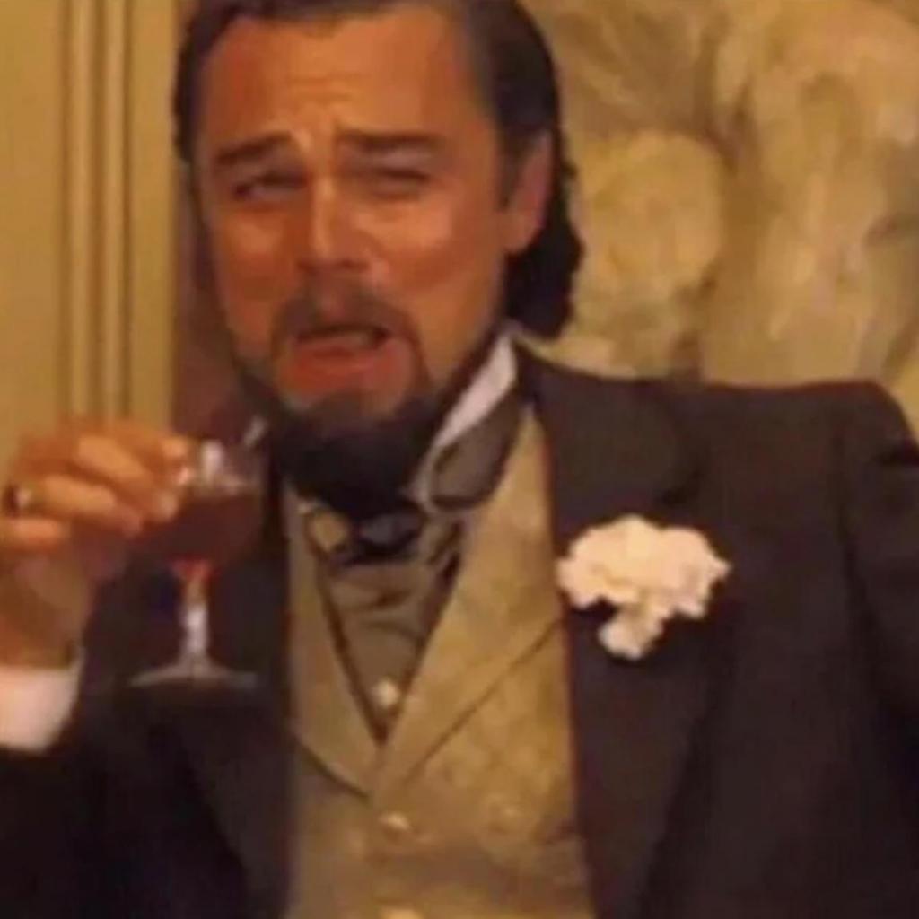 """И в """"Титанике"""", и в """"Джанго освобожденный"""": почему в современном юморе Леонардо Ди Каприо неизбежно сочетается с алкоголем"""