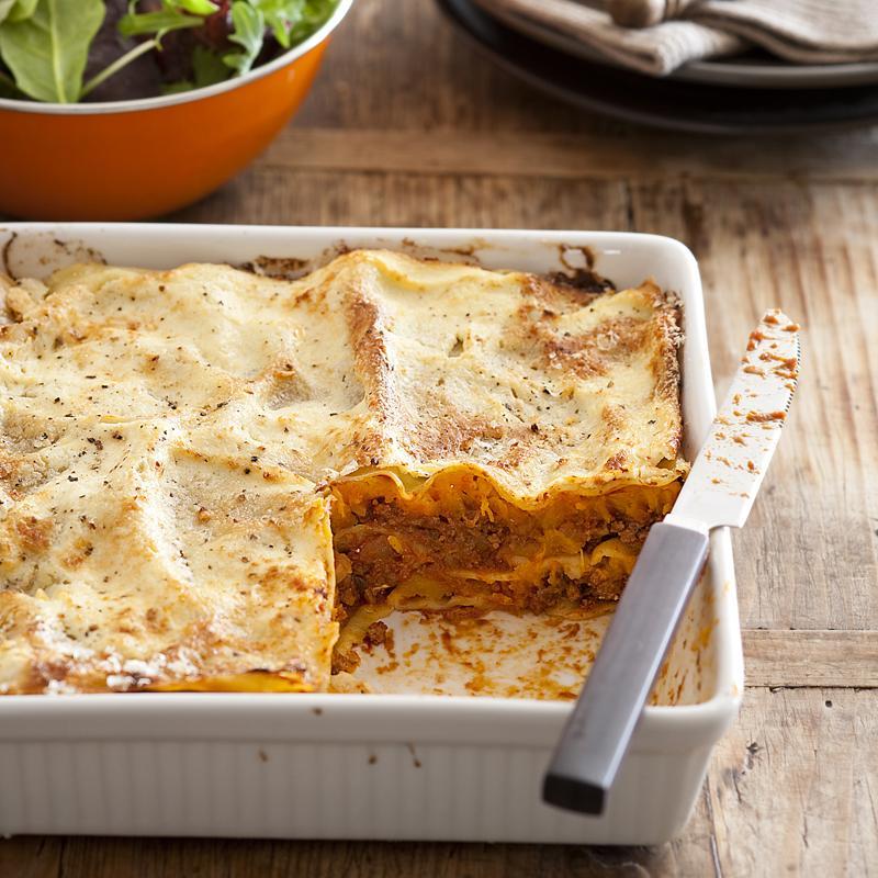 """По воскресеньям радую семью особенным блюдом – лазаньей из говядины и тыквы под соусом """"бешамель"""": минимум усилий, максимум удовольствия"""