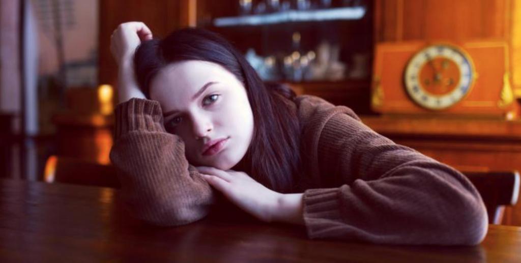 Йога на стуле, музыка и ароматерапия: 7 быстрых способов отдохнуть после тяжелого рабочего дня дома