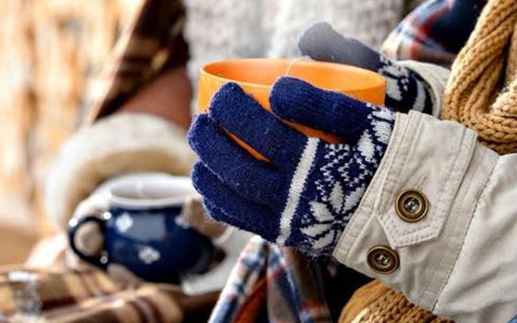 """""""Холод повышает риск заболеваний сердца"""": доктор Малышева рассказала, почему в холодное время важно носить перчатки"""