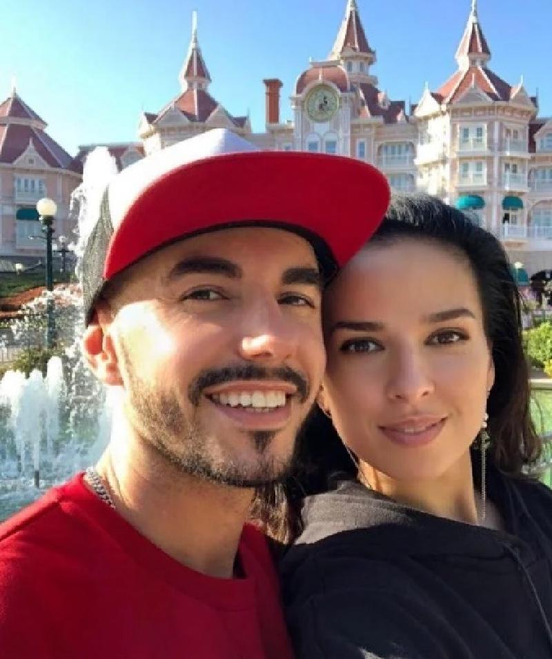 Родригез опубликовал в своем Instagram фото красотки с изумрудными глазами
