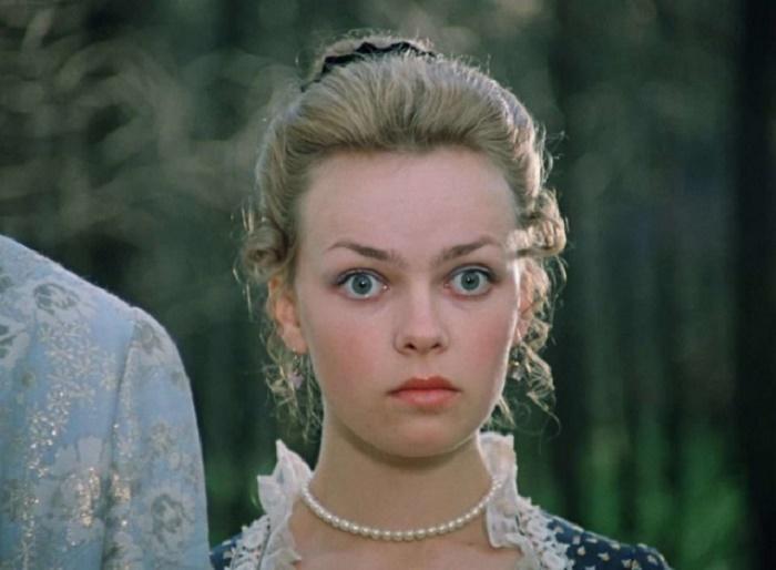 """""""Одно лицо!"""": дочь Елены Валюшкиной невероятно похожа на маму в молодости"""