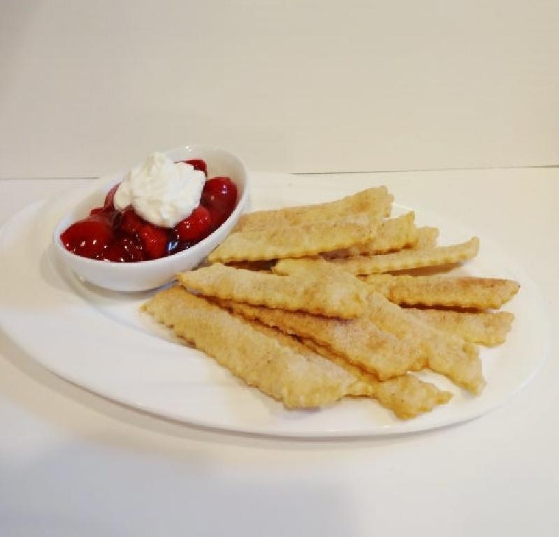 Сахарные палочки из теста: макаю лакомство в ягодный соус и получаю вкусное лакомство к чаю
