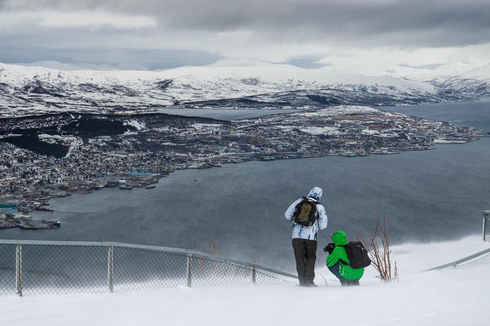 Ученые Захер, Рудольф и Лейбовиц изучили позитивность норвежцев и выяснили, как сохранить психическое здоровье в зимнем сезоне
