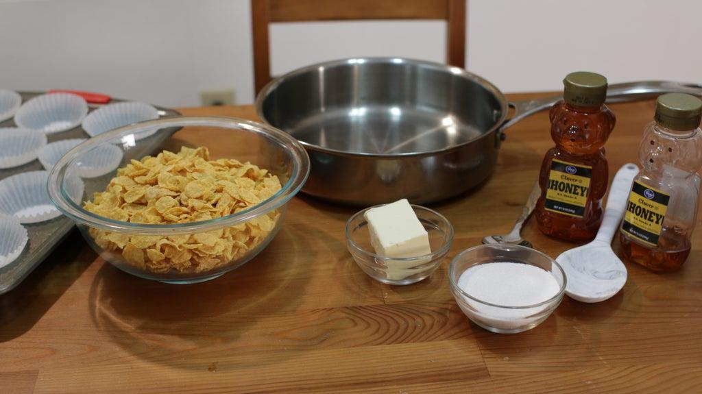 Кукурузные хлопья, запеченные с медом в духовке: необычный и сытный завтрак за 20 минут