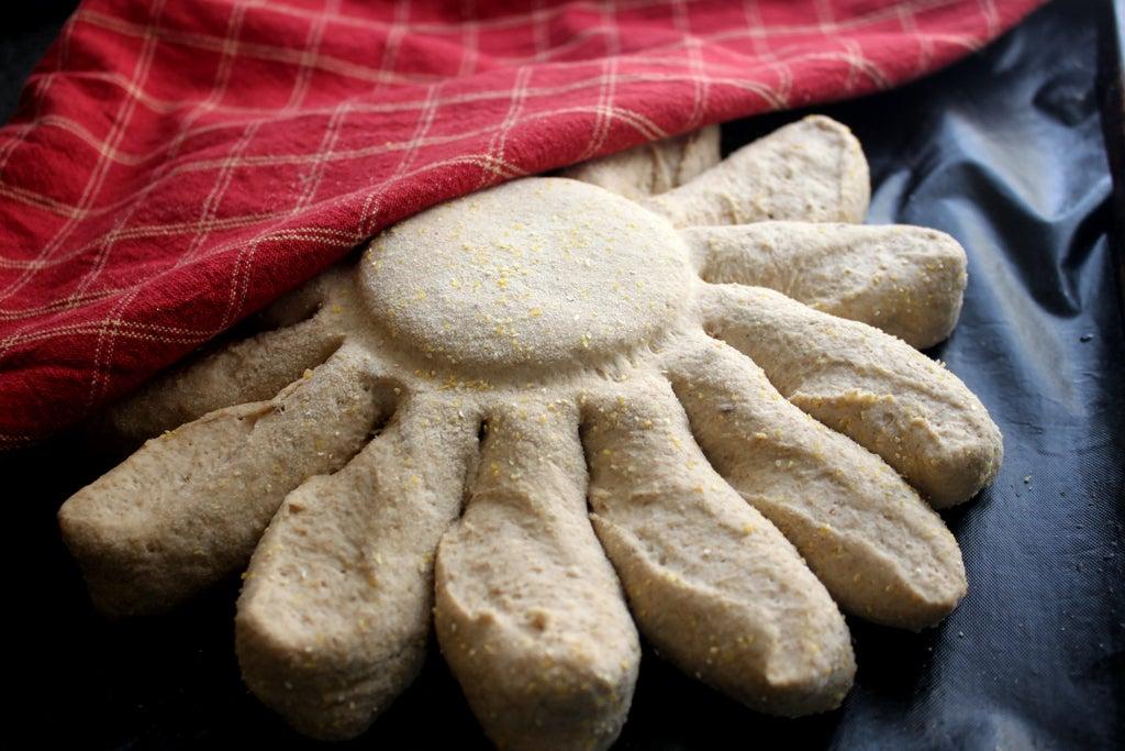 """Готовим хлеб """"румяное солнышко"""": домашняя выпечка наполняет дом прекрасным ароматом и делает трапезу более сытной"""